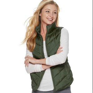 Green Puffer vest size Medium